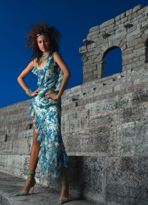 208--Mercedes Scelba-Shorte, waitress; age 21 of Valencia, Calif. is photographed by  Massimo Costoli in the Arena Di Verona, Italy in AMERICA'S NEXT TOP MODELon UPN.  Photo:  Massimo Costoli/CBS. ©2003 CBS Broadcasting Inc.  All Rights Reserved.