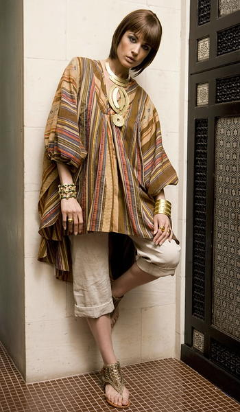 Pulse.  Monday Fashion.  Egyptian.  King Tut.  Look 2.  Model Sara R/APM, Makeup Krya Dorman, Hair Stylist Jillian Halouska.  Photo at Casa La Femme: 140 Charles Street.   By Caitlin Thorne Hersey.