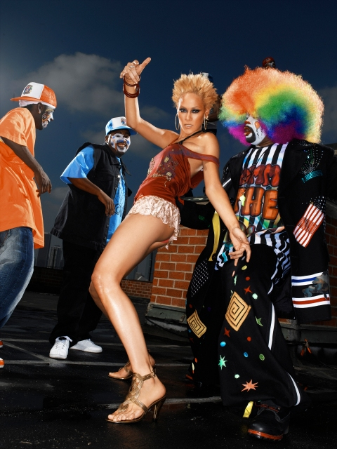 """""""The Girl Who Has a Temper"""" --Jade, Restaurant Hostess; age 26 of Philadelphia, models shoes while """"krumping"""" (a form of dancing), with famous dancer Tommy The Clown in AMERICA'S NEXT TOP MODEL on UPN. Photo: Trevor O'Shana/UPN ©2006 CBS Corporation.  All Rights Reserved."""