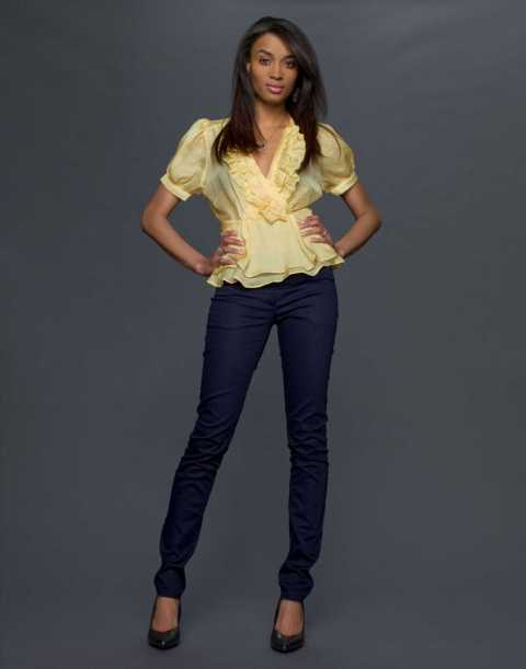 "America's Next Top Model - Cycle 13 Pictured: Ashley Age: 22 Hometown: Chicago, Illinois (currently Brooklyn, New York) Occupation: Artist Height: 5'6"" Photo Credit: Jim DeYonker / The CW © 2009 The CW Network, LLC. All Rights Reserved."