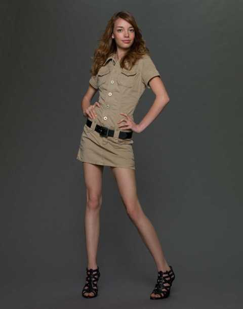 """America's Next Top Model - Cycle 13 Pictured: Rachel Age: 18 Hometown: Woodland, California  Occupation: Customer Service Height: 5'5"""" Photo Credit: Jim DeYonker / The CW © 2009 The CW Network, LLC. All Rights Reserved."""
