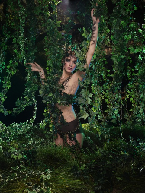 """The Girl Who Goes Bald"" -- The girls participate in a runway challenge and ""pose-off"" in a jungle photo shoot on America's Next Top Model on The CW. (cycle 9) Pictured: Sarah Photo: Lionel Deluy/Pottle Productions Inc ©2007 Pottle Productions Inc. All Rights Reserved."