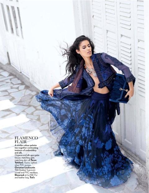Vogue_India_September_2012_b